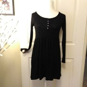 American Eagle Outfitters black viscose dress.